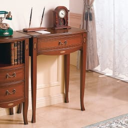 ベネチア調象がんシリーズ コンソールテーブル 優雅なカーブが魅せる優美な姿。
