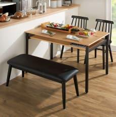 おうちの時間が快適になるオーク天然木ブルックリンダイニングシリーズ 4点セット(テーブル・幅120cm+ウィンザーチェア2脚組+ベンチ・幅105cm)