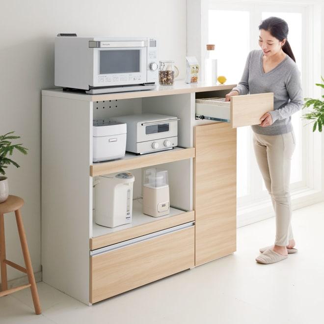 サイズが選べる家電収納キッチンカウンター ハイタイプ 幅120cm 調理台・家電収納・収納棚・引出の機能を1台でコンパクトにまとめたキッチンカウンター。