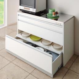 収納物を考えたキッチンカウンター ロータイプ(高さ85cm) 幅117.5cm 便利なアイデア引出しで、キッチン収納を快適に。