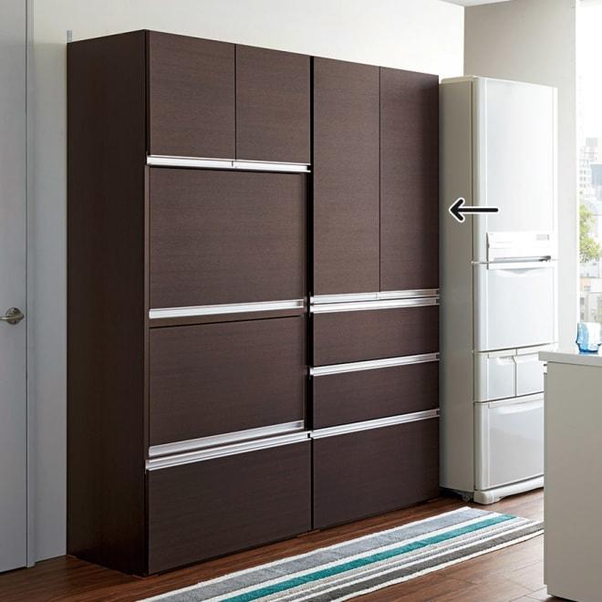 組立不要!家電を隠せるキッチン収納シリーズ 食器棚幅78cm 高さは180cmですっきり収まります。