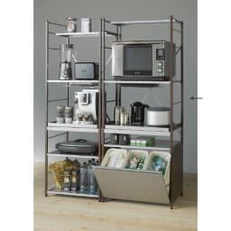 大型レンジ対応レンジラック ペール3分別ゴミ箱付きレンジ台 (ア)ダークブラウン キッチン家電をまとめて収納できる頑丈な作りが特徴です。ゴミ箱付きで便利な人気商品です。 ※お届けは(写真右)ペール3分別タイプです。