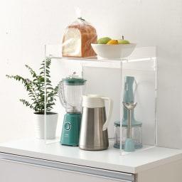 アクリル製キッチンカウンターラック 幅42cm 透明アクリルのスタイリッシュなキッチンラック。幅42cmで、コーヒーメーカーなどがおしゃれに映えます。