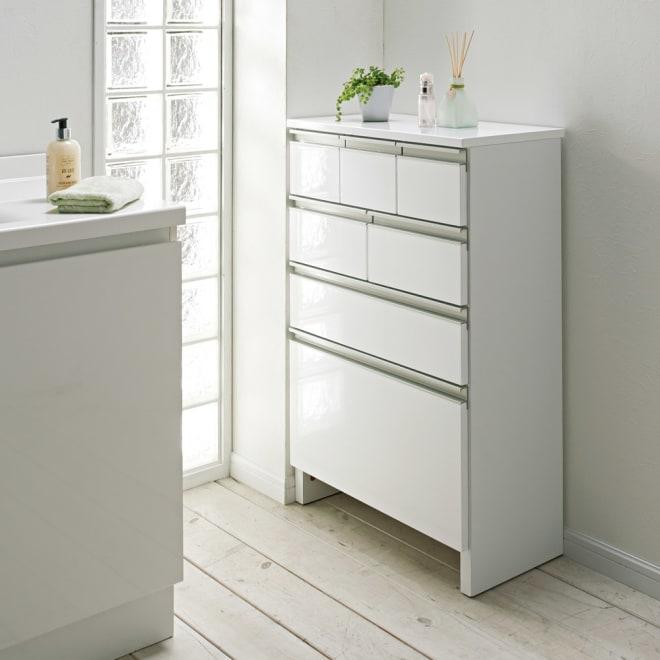 引き出しいっぱい洗面所チェスト 幅60奥行30cm 奥行30cmタイプは狭い場所にも設置できます。 ※お届けする商品です。