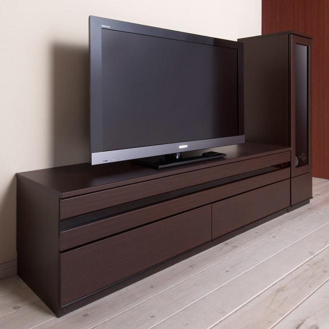 ラインスタイルシリーズ テレビ台 幅150cm (ア)ダークブラウン フラップ扉を閉じたままリモコン操作可能。