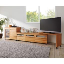アルダー天然木ユニットボード キャスター付きテレビ台 幅159cm 使用イメージ(ア)ライトブラウン ※お届けはテレビ台です。ネストボードは別売りです。