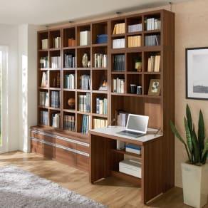 【完成品】重厚感のあるがっちり本棚シリーズ デスク 幅89 天井対応高さ236~246 奥行35cm 写真