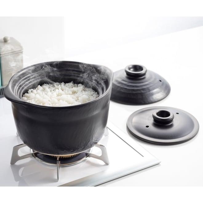 萬古焼 大黒ご飯鍋3合炊き 適度な圧力で美味しく炊き上げる二重蓋構造。