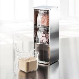 縦にも横にも置ける ステンレス製 調味料ストッカー(ポット3個付き) 狭いキッチンなら縦置きにして省スペースに。