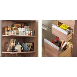 取り出しやすい2面オープンすき間収納庫 奥行55cm・幅12cm 取り出しやすい棚部にはよく使うものを。引き出しは深さに合わせて食品ストックや乾物などをしまい分けて。最下段の深引き出しには2Lペットボトルが入ります。
