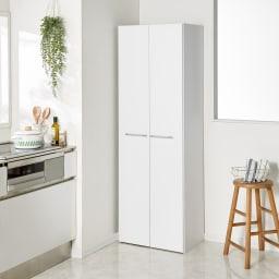 食器からストックまで入る!大容量キッチンパントリー収納庫 幅60奥行40cm (イ)ホワイト 扉を閉じればすっきり!