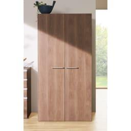 食器からストックまで入るキッチンパントリー収納庫 幅75奥行55cm (オ)オリジナルウォルナット ※写真は幅90奥行55cmタイプです。