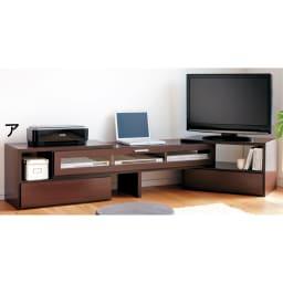 すっきり、ぴったりが心地よい伸縮式テレビ台スイングローボード 扉付き幅148.5~283cm テレビ、パソコン、プリンターなどリビングに集まる家電もボード上にすっきり。