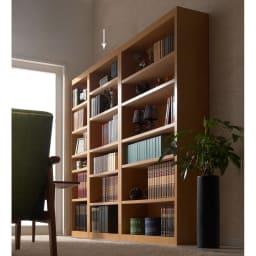 頑丈棚板がっちり書棚(頑丈本棚) ハイタイプ 幅70cm コーディネート例(ア)ライトブラウン ※お届けは幅70高さ180cmです。