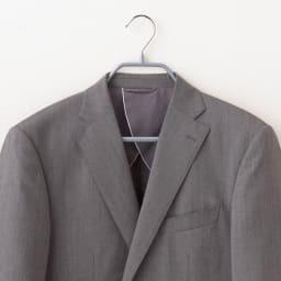 MAWA(マワ)ハンガー ボディーフォーム 5本組 (ウ)シルバー スーツ等のシルエットをキレイに保つ肩付き。上下セットで掛けられます。