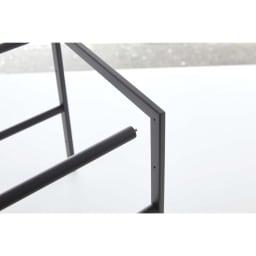 Tower/伸縮するシンク&洗面台下ラック2段 組立はねじ込むだけなので簡単にできます。