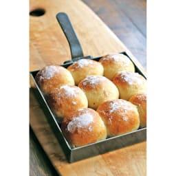 有元葉子の鉄のフライパン 卵焼き器 お菓子やパンを焼くのもお勧め。正方形の形は四角い焼き菓子やプチパンを焼くのにピッタリ!