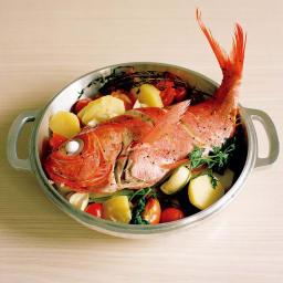 IHでも使える無水鍋 金目鯛とジャガイモの蒸し焼き
