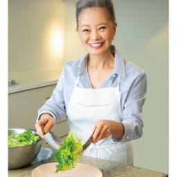 サラダハンド 料理研究家 有元葉子さん 「食卓で取り分けるサーバーとしても使いやすいです」