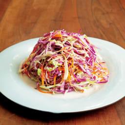 サラダハンド トングや菜箸だと混ぜにくい千切り野菜のサラダもムラなく綺麗に混ぜられます。