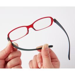 フィルストン UV&ルーライトカット リーディンググラス(男女兼用) ボストン型 無地 ツル(テンプル)にはしなやかで強靱な特殊ポリカーボネートを使用。非常によくしなるので、しめつけがなく、まるでかけていないような軽やかなかけ心地。(写真は別タイプの形です)