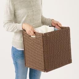 ラタン風折りたたみバスケット Lサイズ (イ)ブラウン 持ち手付きで持ち運びもラク。
