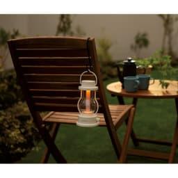 BALMUDA/バルミューダ The Lantern (ア)ホワイト 防滴仕様なので、多少の雨でもOK。グランピングでの使用も。