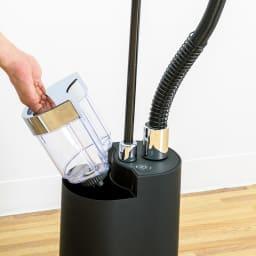 SteamOne (スチームワン)衣類スチーマー 据え置きタイプ 容量約1?のタンク式。こまめに水を補充する手間がなく、一気にたくさんかけられます。