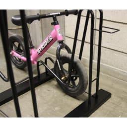 頑丈自転車スタンド 子供自転車設置は下段に設置できます。