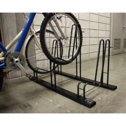 頑丈自転車スタンド 設置例。(3台用)
