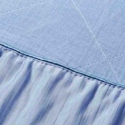 ひんやり除湿寝具 デオアイスエアドライシリーズ さらさらケット 表面は綿100%のガーゼ生地で、気温や好みに合わせて使えるリバーシブル仕様です。