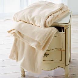 今治タオルの寝具シリーズ タオルケット シングル タオルケットは両面ふかふかのパイル地で、ボリュームがありやわらかくリッチな風合い。お得な2枚組もご用意。