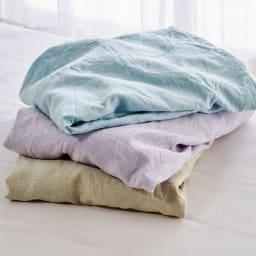 ファミリー布団用 洗える本麻ボックスシーツ(ファミリーサイズ・家族用) 上から(エ)ブルー (イ)パープル (ア)ベージュ 幅広の生地を使用して仕立てているため、ハギのない美しい仕上がりが自慢。