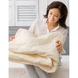 パシーマ(R)でつくったお布団(衿カバ-付き) 「ふんわりとろりとした風合いはパシーマ(R)ならでは。気温が変わりやすい時期にも本当に助かる一枚です。」