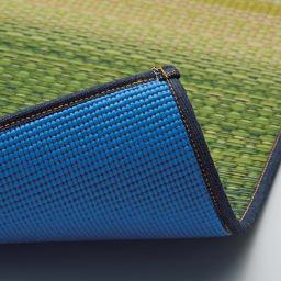 い草のマット〈畳ヨガ〉プラウド 裏面は滑りにくく適度なクッション性があり、ヨガマットにも使用されるPVC素材を組み合わせています。
