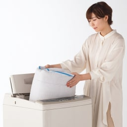 洗えるリネンのふんわりキルトラグ 洗濯機で丸洗いOK。
