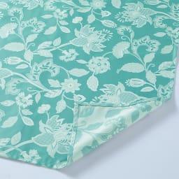 MINTONマルチカバーシリーズ〈グレースハドン〉マルチカバー単品 生地の端を折り返しステッチで仕上げた1枚布で、美しい光沢、薄手でなめらかな肌ざわりが魅力。