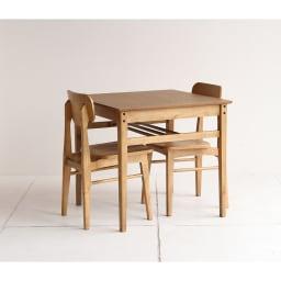 コンパクトなブルックリン風シリーズ ダイニングテーブル 幅75cm コーディネート例 ※お届けはダイニングテーブル幅75cmです。写真は別売りのチェアとの組合せです。