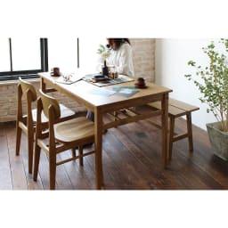 コンパクトなブルックリン風シリーズ ダイニングテーブル 幅120cm コーディネート例 ※お届けはダイニングテーブル幅120cmです。