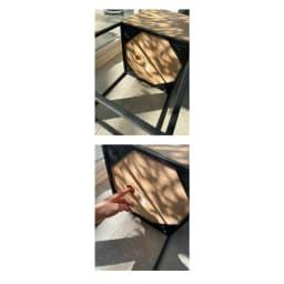天然木プランタースタンド 高さ65cm 板状のモイスは、プランター底面の丸穴に指を入れると取り出しやすいです。