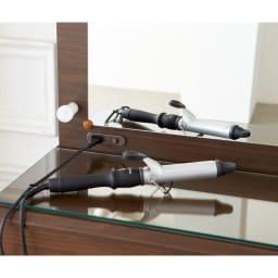 LEDライト付き 楽屋ドレッサーシリーズ ドレッサー 幅99cm ヘアアイロンやドライヤーの使用に便利なコンセント付。