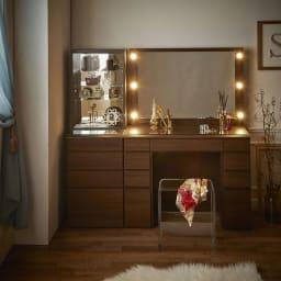 LEDライト付き 楽屋ドレッサーシリーズ ドレッサー 幅99cm モダンな空間にも美しく調和します。