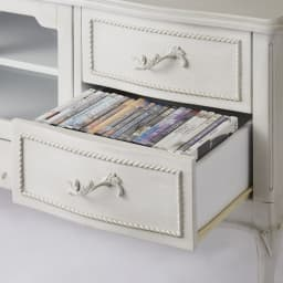シャビーシック ホワイト フレンチ収納家具シリーズ テレビ台 幅120cm 引出し下段はDVD収納にピッタリの大きさです。