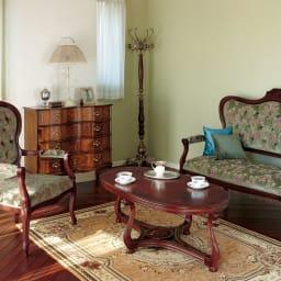 イタリア製 収納家具シリーズ 木製ウッドポールハンガー お客様用のコート掛けとして、おもてなしの空間にもおすすめです。