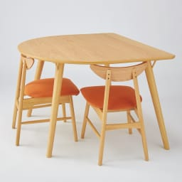 カバーが洗えるチェア 2脚組 チェアがテーブル下にすっぽり収まる設計で場所を取りません。