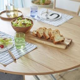 丸形昇降バタフライテーブル幅120 (イ)ナチュラル 天板が広がるので、食事もゆったりできます。