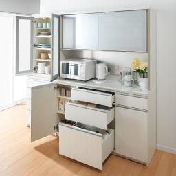 サイズが豊富な高機能シリーズ 食器棚引き出し 幅80奥行50高さ198cm/パモウナ VZ-800K コーディネート例
