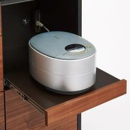 セラミック天板キッチンカウンター 幅90cm 蒸気の出る家電はスライド棚に。収納上部にモイス付き。