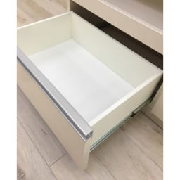 食器もストックもたっぷり収納!天井ぴったりキッチンシリーズ 食器棚 幅60cm奥行50cm 下段の引出しは奥まで引き出せるフルスライドレール付きです。