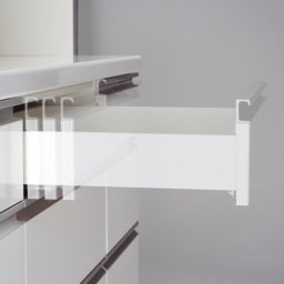 移動ラクラク 間仕切りハイグロストップカウンター 幅120cm/パモウナ AW-120W 上1・2段目は静かに閉まるサイレントレールを採用。最下段は奥までしっかり引き出せるフルスライドレール。